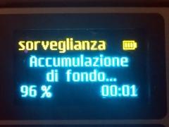 sul display del rilevatore viene indicata la percentuale istantanea del  accomulazione dei rumori di fondo